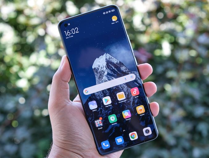 the-xiaomi-mi-11-ultra-review-big-and-fast-buthellip